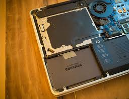 mempercepat kinerja laptop mengganti harddisk hdd dengan ssd